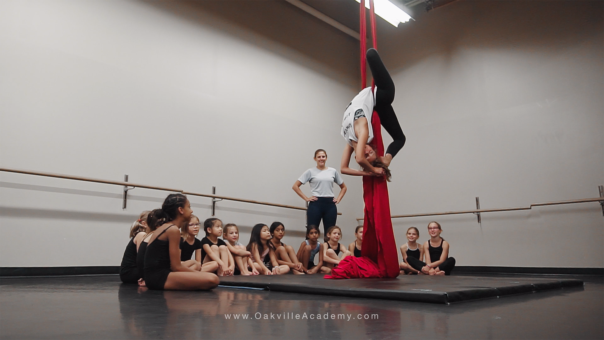 acro-camp-oakville-academ-for-the-arts-background
